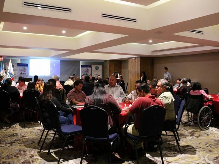 Mesas de trabajo de organizaciones internacionales ciegas en Guatemala